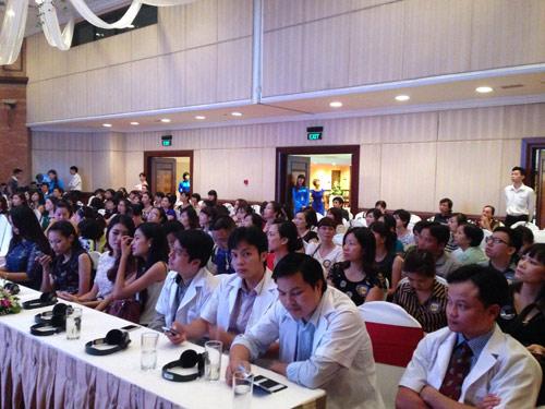 Các bác sỹ, chuyên gia thẩm mỹ giỏi trong nước và quốc tế về dự hội thảo