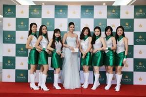 Ngọc Hân đẹp hút hồn dự khai trương chi nhánh Đông Á Beauty.
