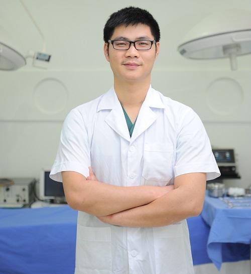 Đội ngũ bác sĩ trị mụn thịt tại thẩm mỹ viện Đông Á 5